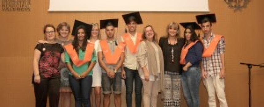 150 jóvenes y sus familias en la presentación de campaña en la Comunidad Valenciana