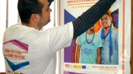 """Cartel: """"Campaña"""" Gitanos con estudios, gitanos con futuro"""