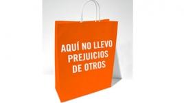 """Merchandising: """"Bolsas"""" Tus prejuicios son las voces de otros"""
