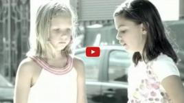 """Video: """"Spot"""" Tus prejuicios son las voces de otros"""